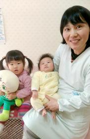 母乳育児を目指すも、指しゃぶりや、おっぱいを嫌がるしぐさが不安でした…が!